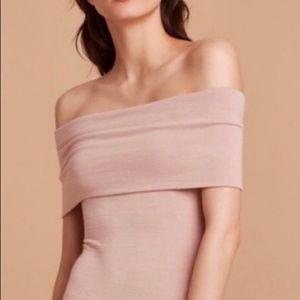 Aritzia Wilfred off shoulder blush bodysuit 🌷